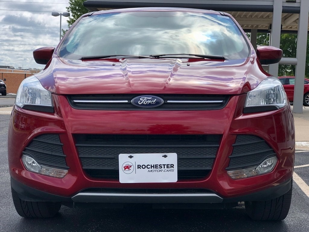 Used 2016 Ford Escape SE with VIN 1FMCU9GX8GUC89359 for sale in Rochester, Minnesota